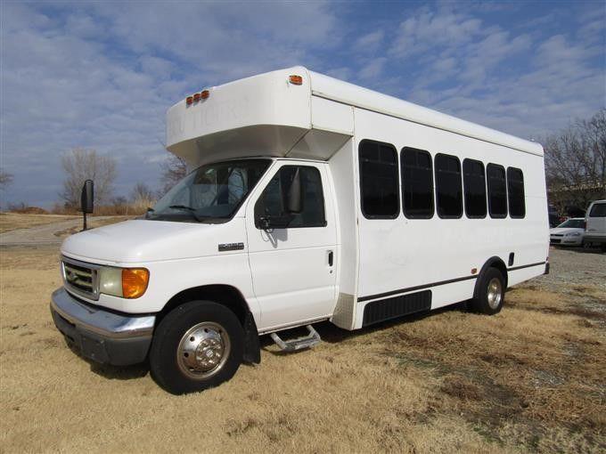 2006 Ford E450 Bus