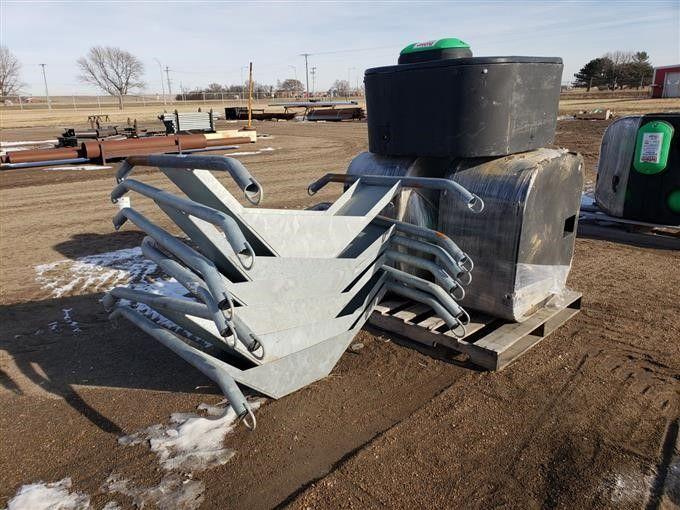 Behlen Mineral Feeder Bases & amp; Bewässerungstanks