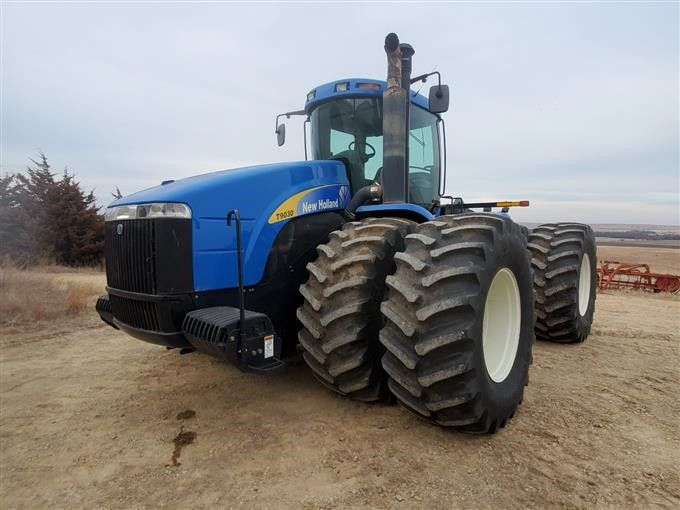 2007 New Holland T9030 4WD Traktor