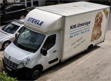 Transporter Renault Master mit Kofferaufbau
