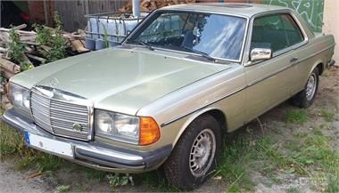 Oldtimer Mercedes 230c (W123)