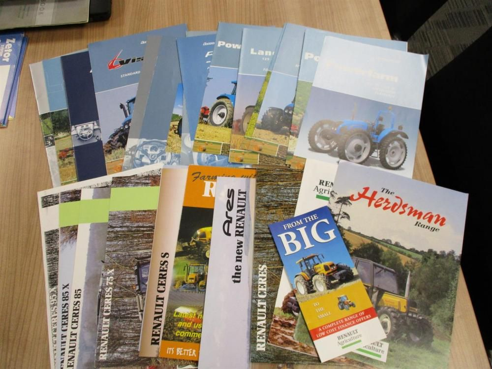 Landini und Renault Traktoren Broschüren, Flyer etc