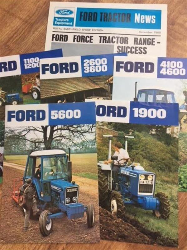 Ford-Traktor-Broschüren
