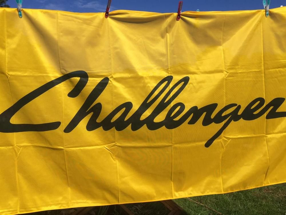 Challenger Traktor Flagge