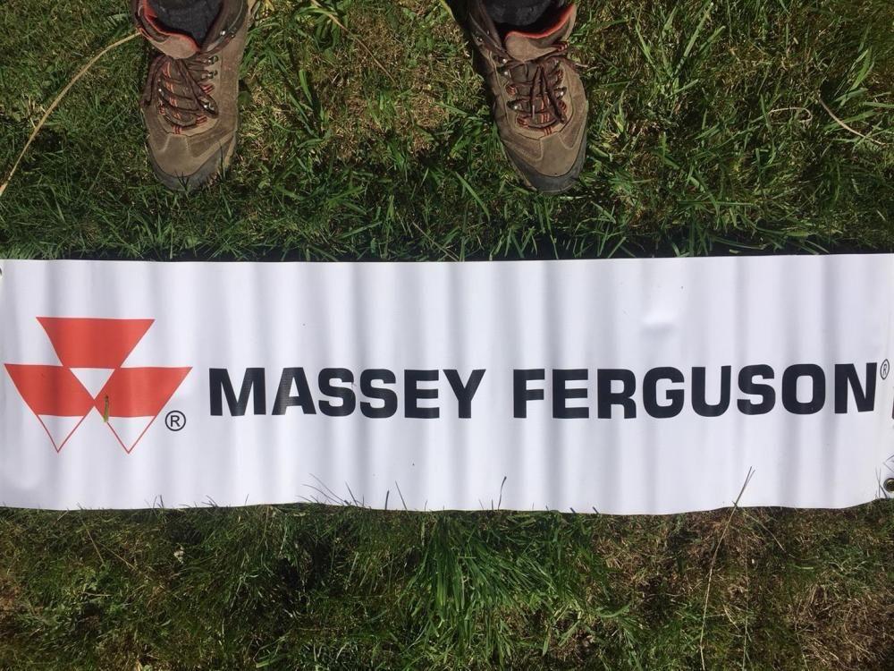 Massey Ferguson Fahnenfahne