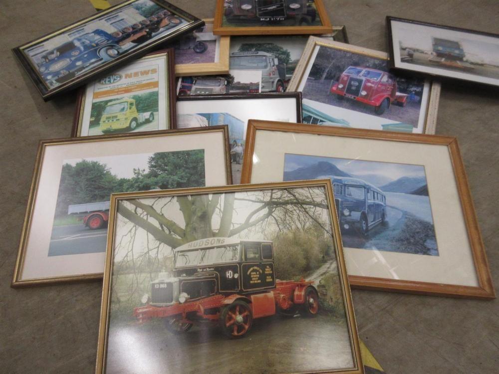 Anzahl gerahmter Fotografien und Drucke klassischer Nutzfahrzeuge, ex Jack Richards