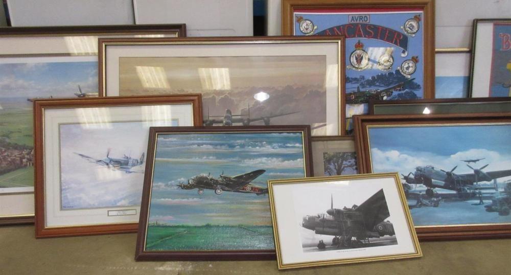 Gerahmte und verglaste Drucke (11) von WWII RAF Bombern und Kampfflugzeugen ex Jack Richards