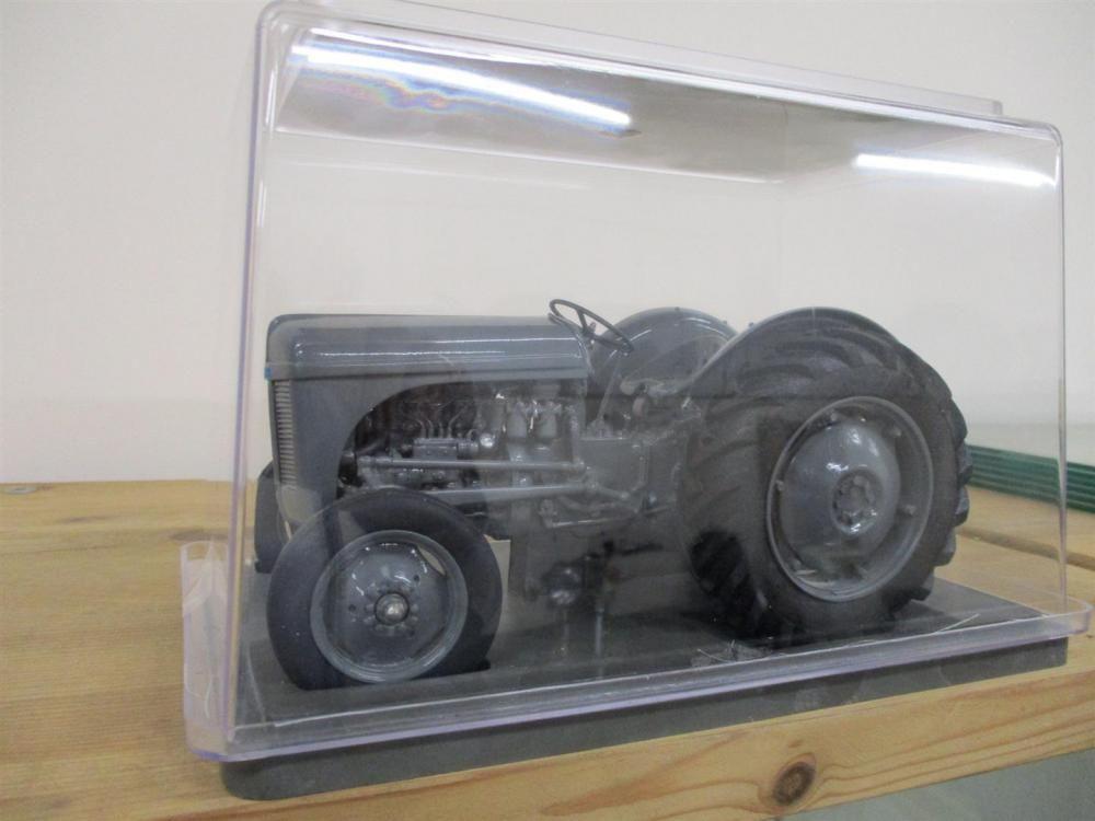 Ferguson TEF-20 Modell im Maßstab 1: 16, Nr. 165 von G & M Farm Models (2005)