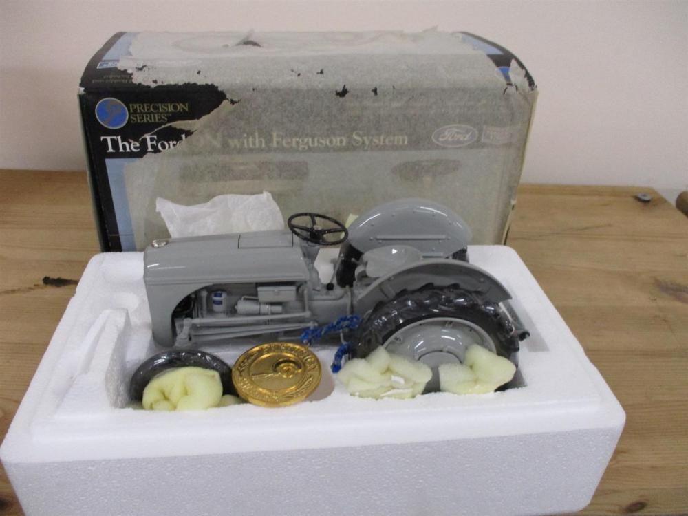 Ford 9N Precision Series Modelltraktor