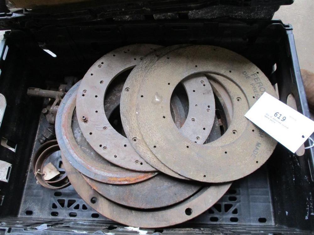 Anzahl der verschiedenen Kupplungs-Ersatzteile (IH NOS)