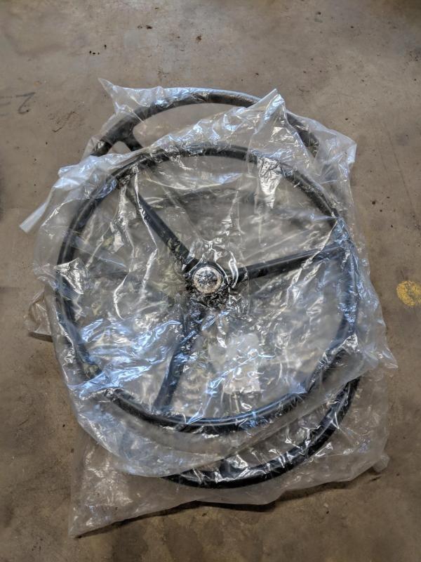 3 Nr. Fordson Dexta Lenkräder