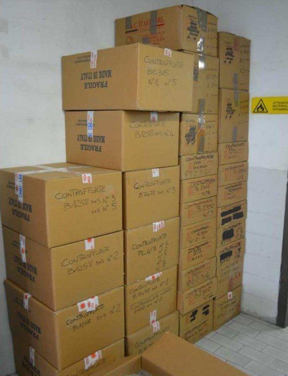 Lager für Stoffe und Rohstoffe