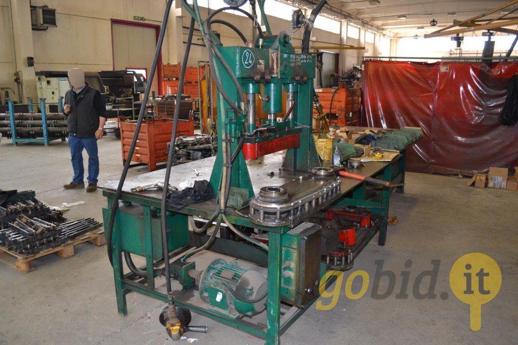 Vertikale hydraulische Presse