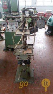Heißprägemaschine für Oberteile