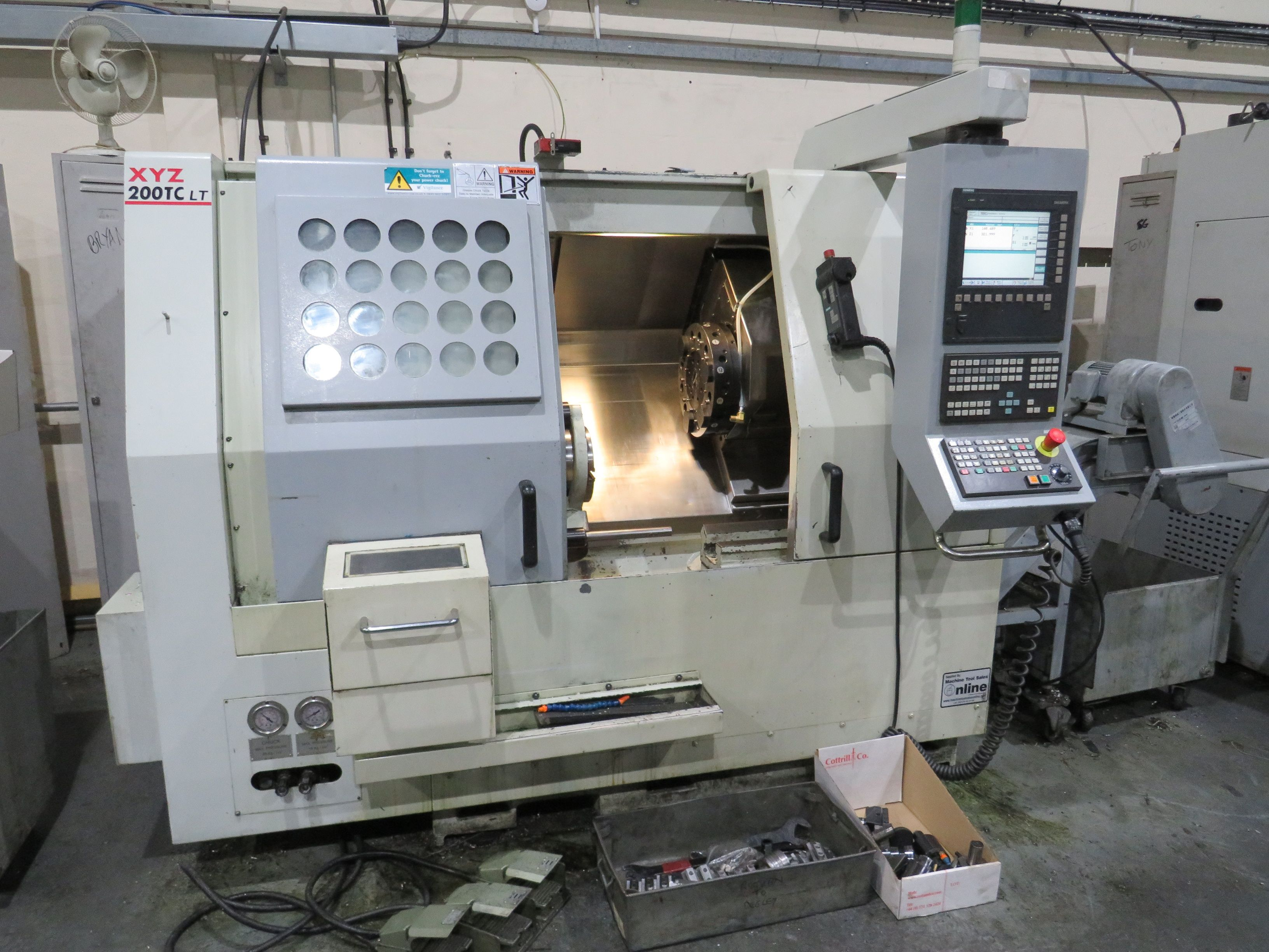 Drehmaschine CNC XYZ 200TC LT
