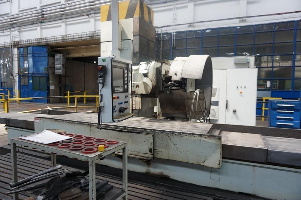 Tos Kurim FSQ 80 CNC Bettmühle