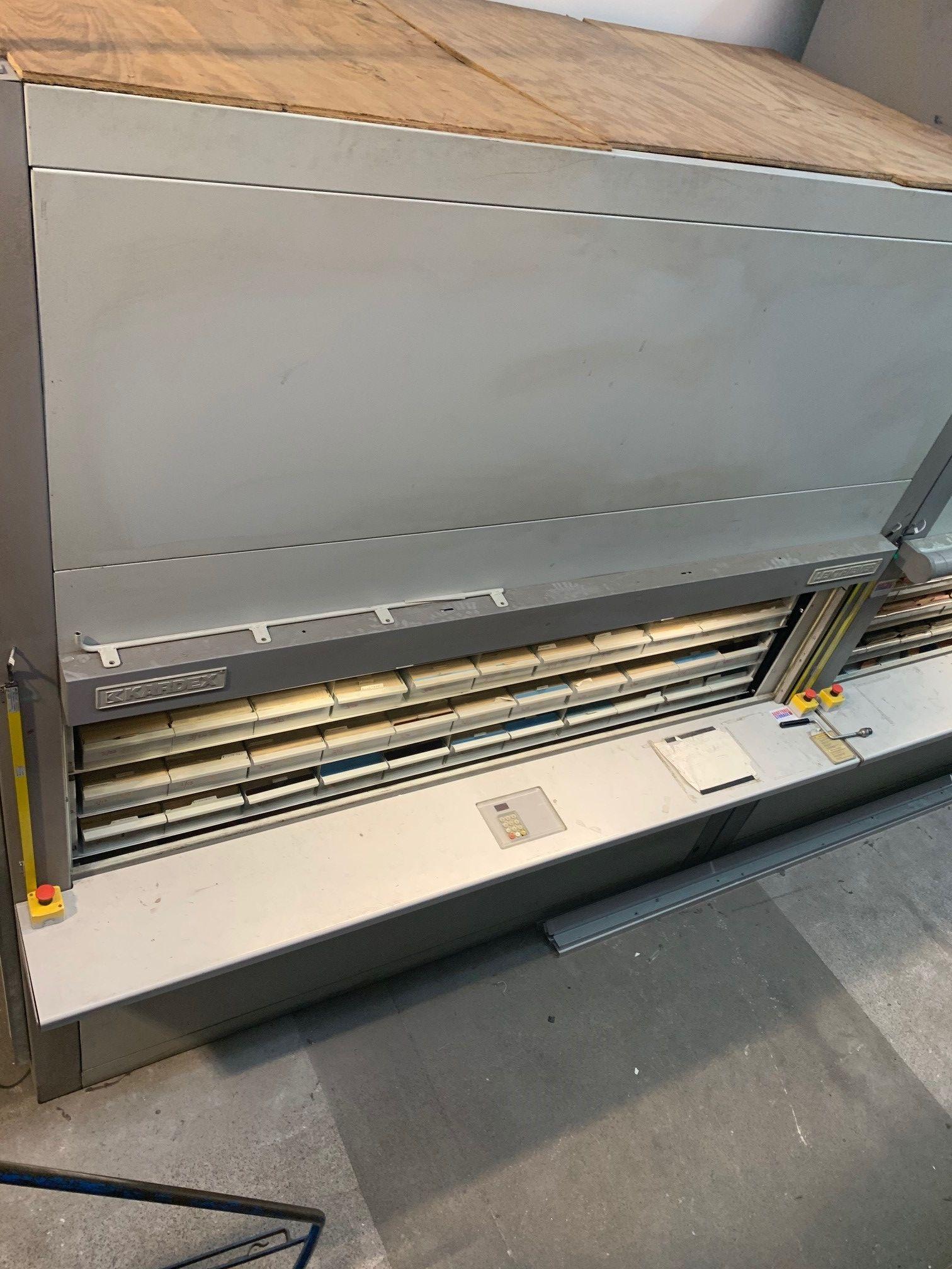 Bellheimer Metallwerk GMBH Lektriever Vertikales Karussell-Ablagesystem