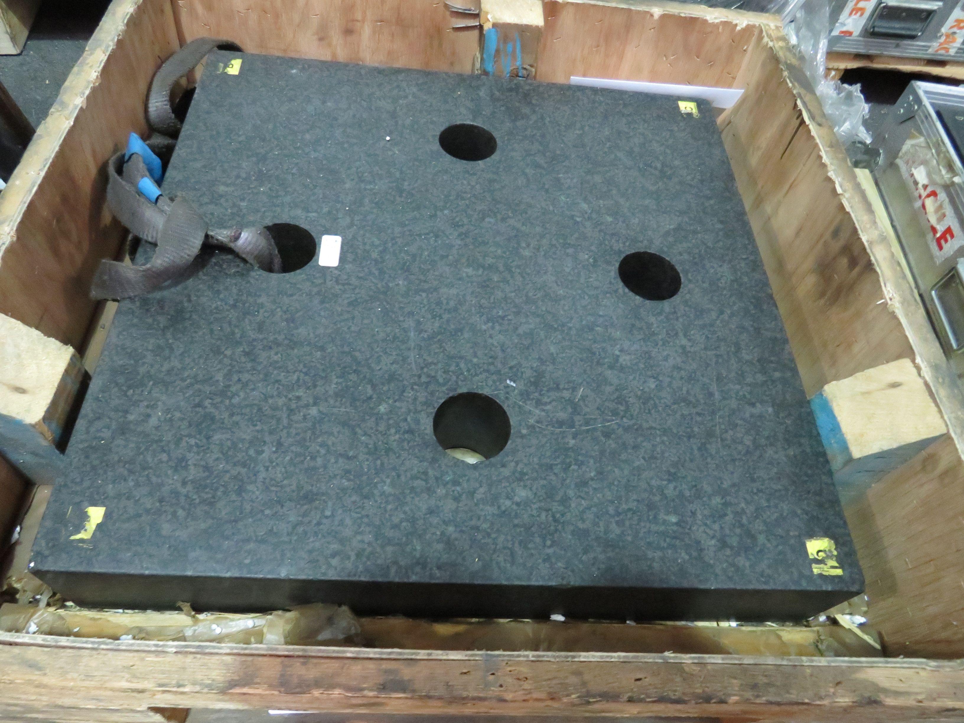 Granit-Quadrat 24
