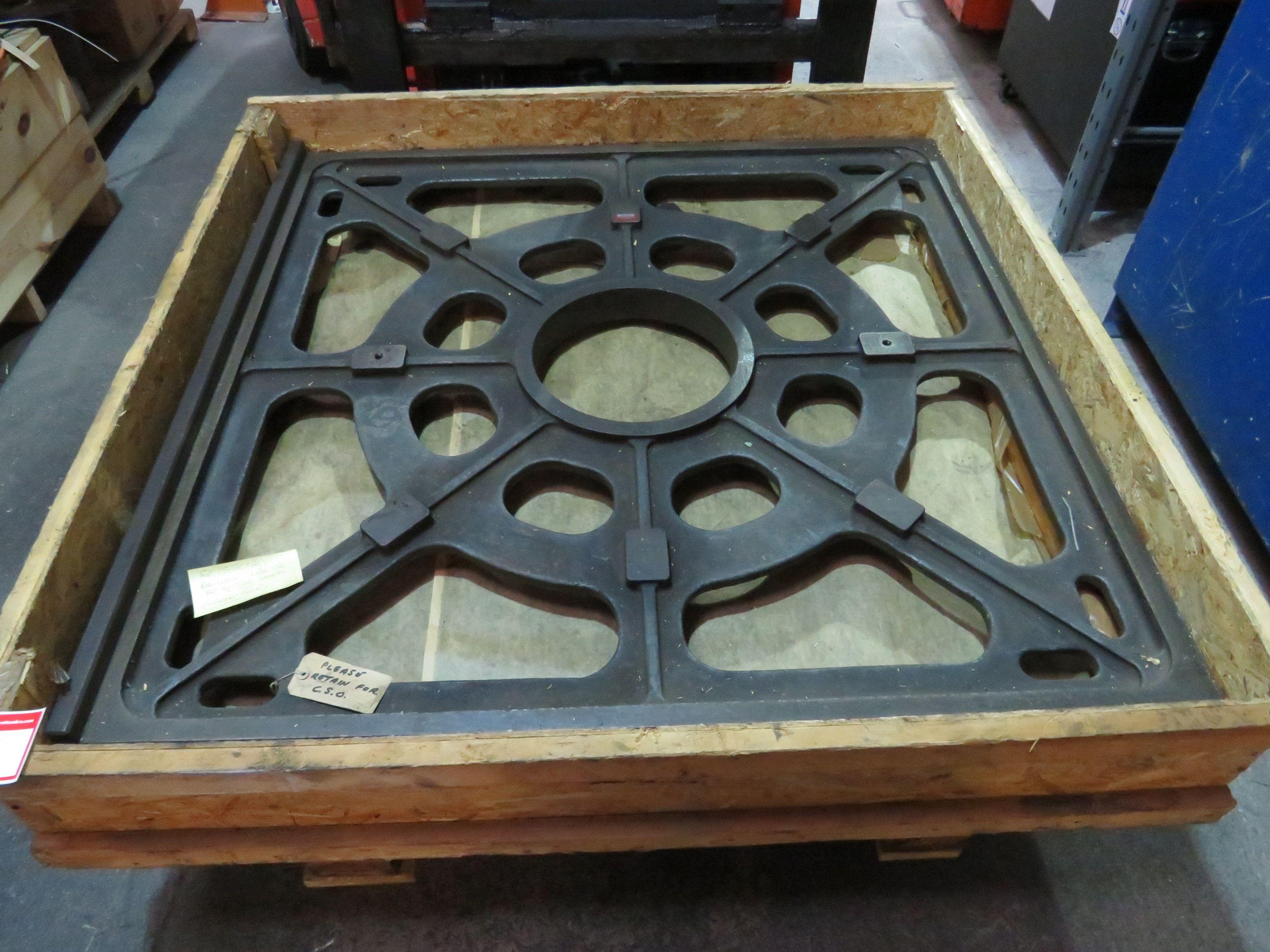 Großes Stahlquadrat zum Einstellen von Sadles 48