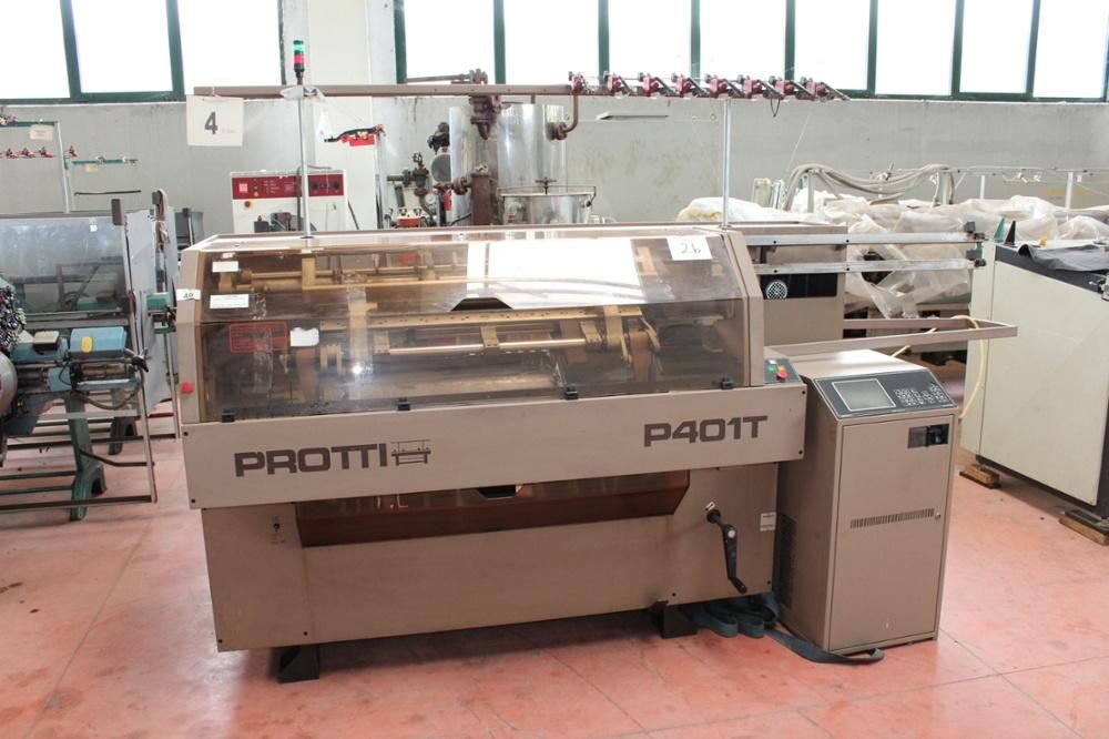 Protti modelo P401T Flachbettstrickmaschine