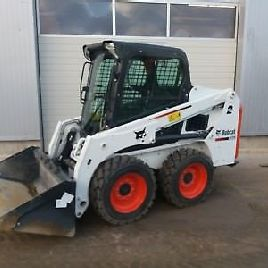 Bobcat S450 Pale skid steer BJ2016 menta con attrezzature top