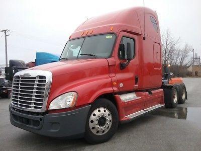 Freightliner Cascadia 2012, mit Cummins REPAIRABLE 12 Semi Truck # CLBC8476 R IL