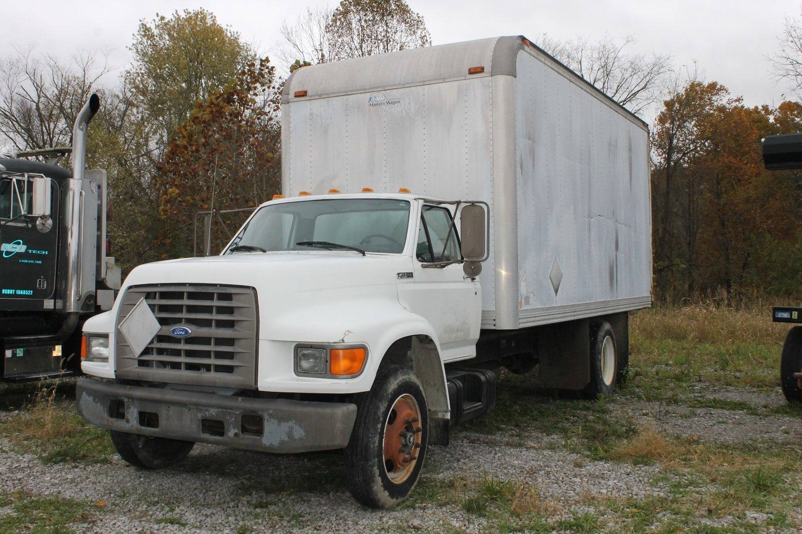 95 Ford F800 Box 18 ft Box Truck