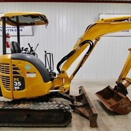 KOMATSU PC35MR-3, MINI COMPACT EXCAVATOR, AUX. HYDRAULIK, 11.3 'DIGGING DEPTH!