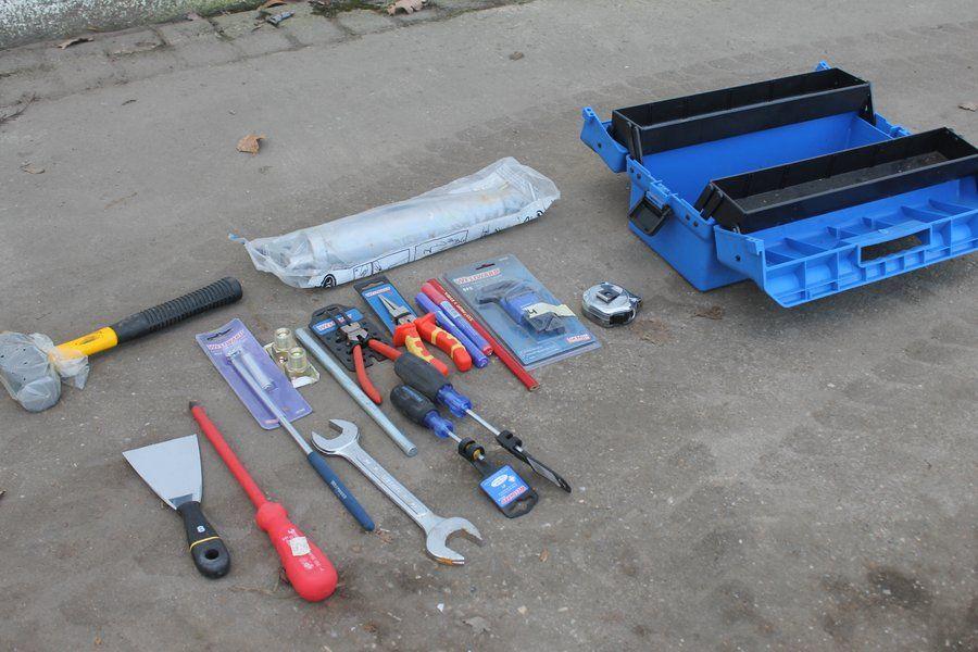 nr: 23147 / Toolbox mit verschiedenen nicht verwendeten Tools