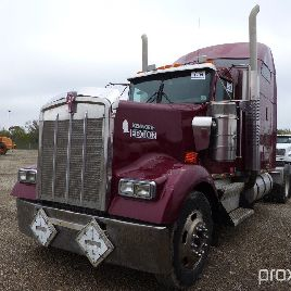 2005 KENWORTH W900 T/A TRUCK TRACTOR;