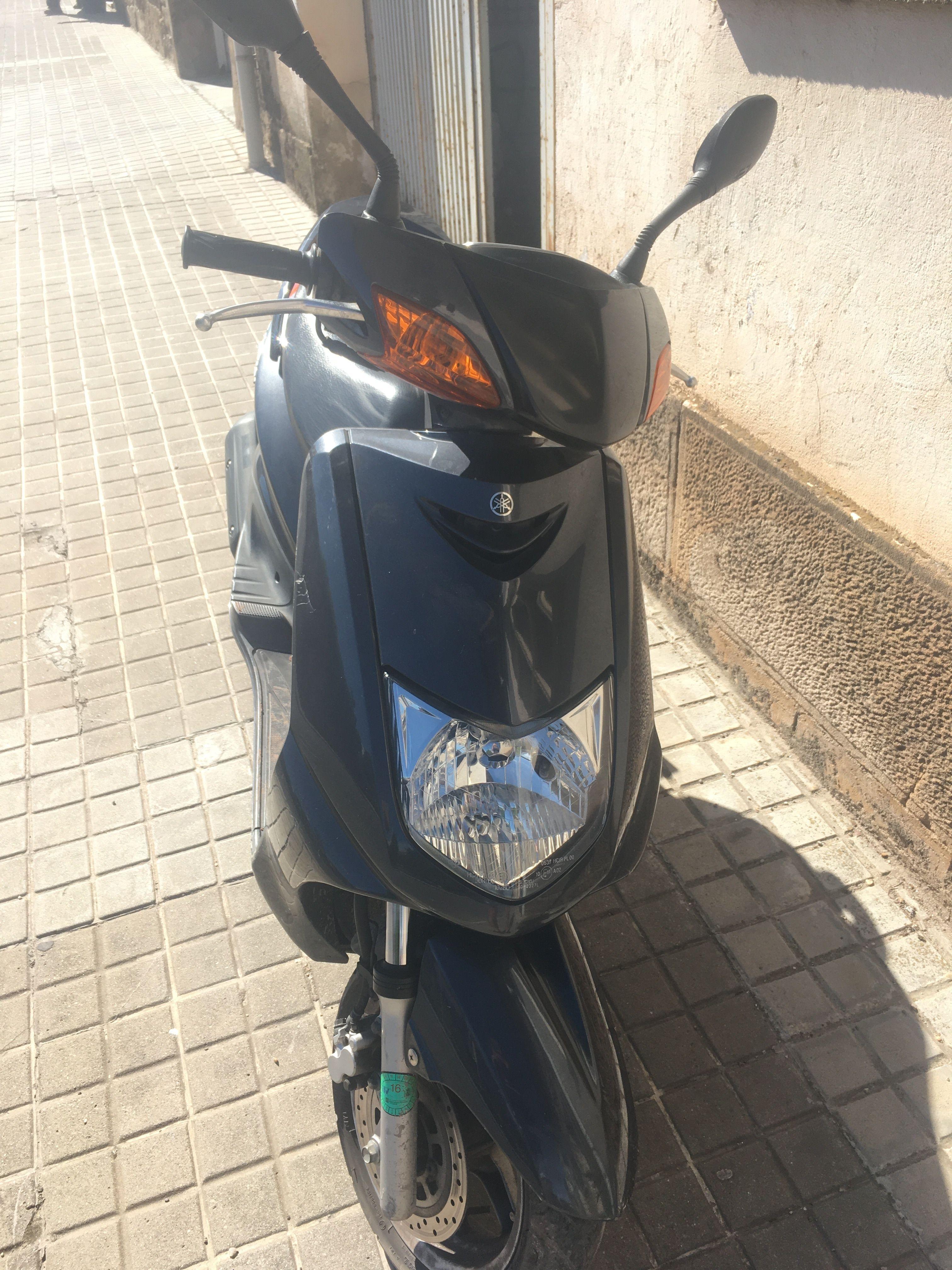 Yamaha Cygnus 125ccm Motorrad