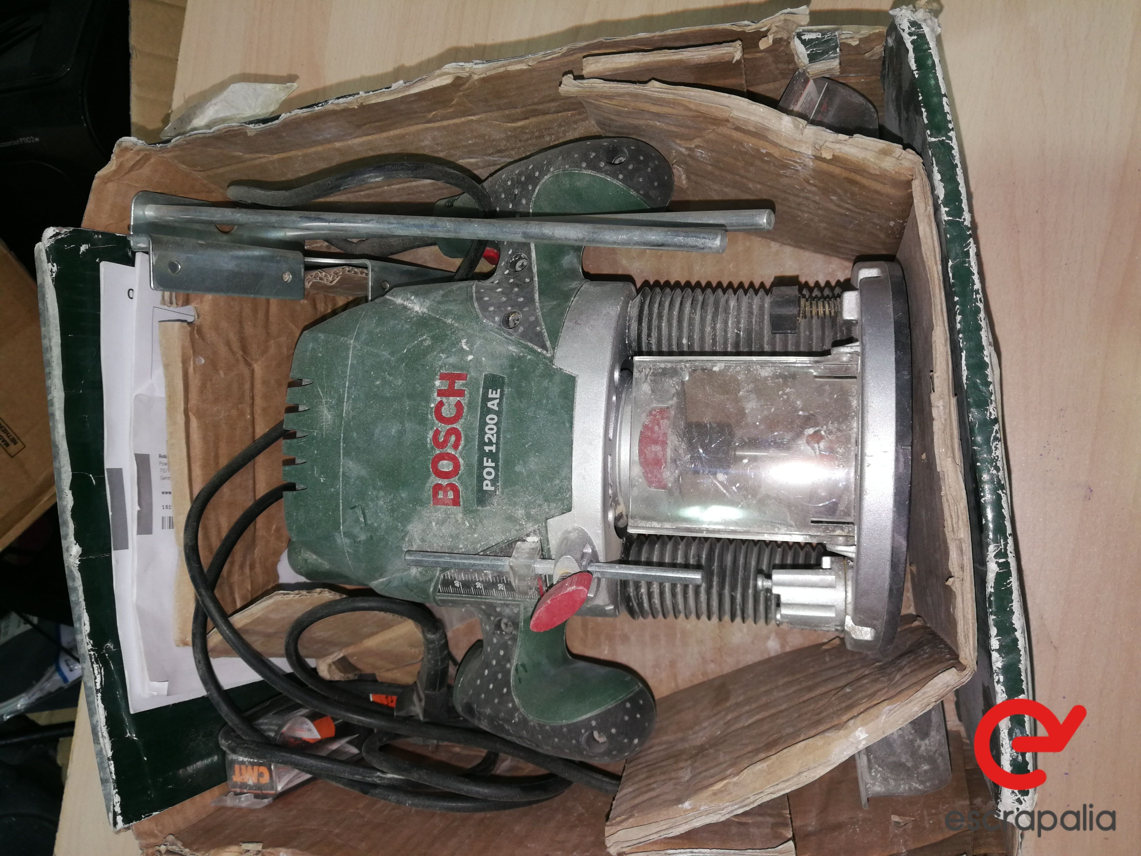 Bosch-Planfräsmaschine Modell POF 1200 AE. Lot 046