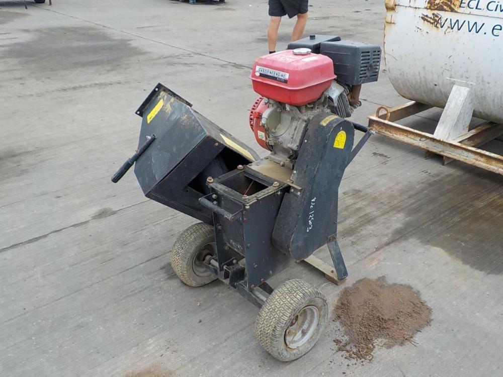 Holzhacker, Benzinmotor
