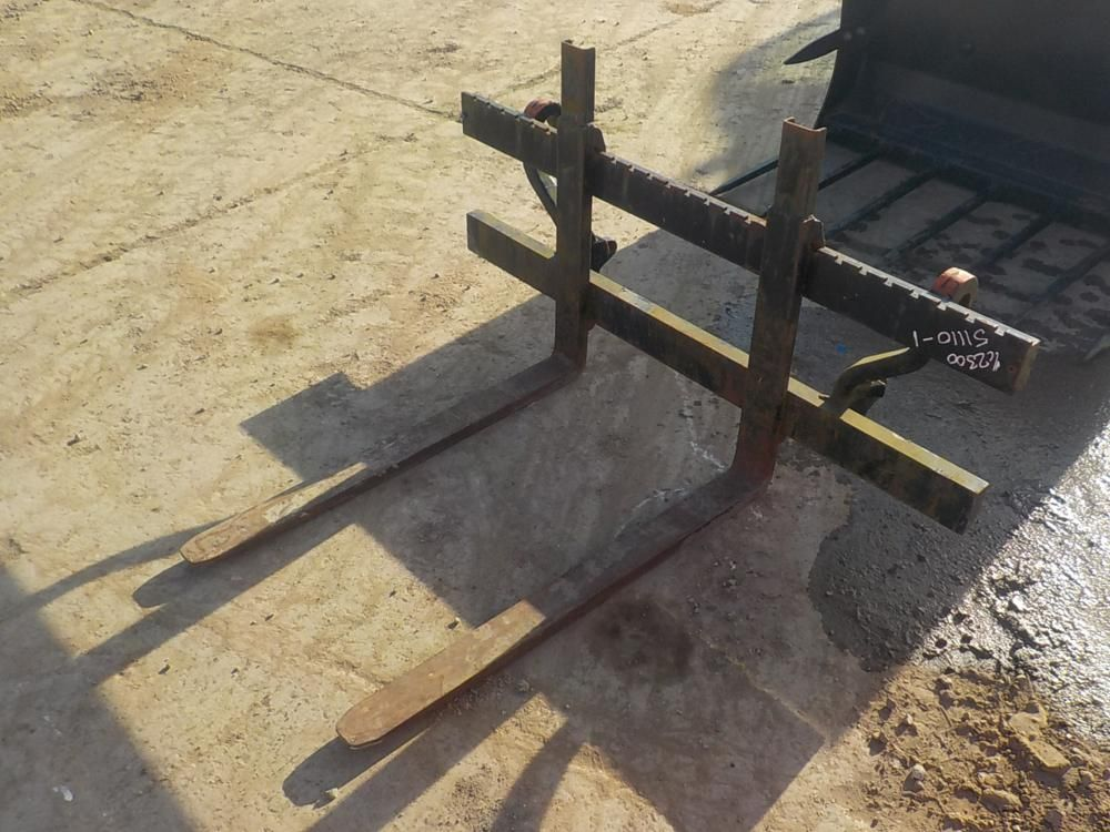 LOS NR. 1825 - 2012 ALO Gabelträger & amp; Gabeln passend zu McCormick Tractor