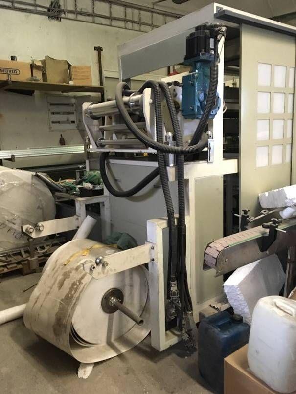 Tiefziehmaschine ROY 660-W inklusive Stapler und Etikettierer