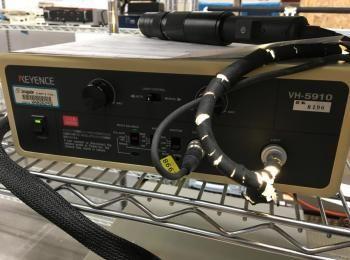 Keyence Modell VH-5910 Kamera mit Lichtquelle, s / n 8196., (Objekt-ID 3409156)