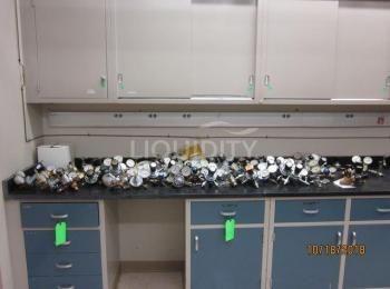 50 Ea. Regler, die enthalten sind: Matheson, Fisher Scientific, Harris und VWR, siehe Fotos