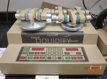 Taber Industries 5150 Abraser, 115 V, 50/60 Hz, sn. 20051062 mit Taber Modell 5000 Sample Cutter, sn