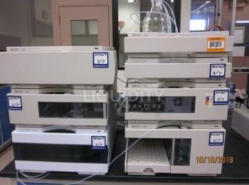 7-poliges Hewlett Packard / Agilent HPLC-System der Serie 1100: (1) G1313A ALS, sn. DE82207052; (1)