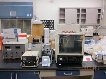 6 Ea. Enthaltene Laborausrüstung: (1) Jupiter-Dampfdruck-Osmometer; (1) Fisher Scientific Accumet Gr