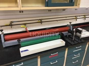 5 Ea. Enthaltene Laborausrüstung: (1) GBC DocSeal 95 Laminator, 120 V, 60 Hz; (4) Filmrollen 2ea. 5