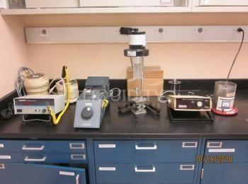 3 Ea. Laborausstattung zum Einschließen: (1) Barnant Temp Controller mit Zubehör, 115 V; (1) Brookfi