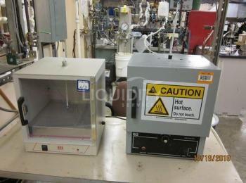 3 Ea. Einzubeziehende Laborausrüstung: (1) Inkubator Lab-Line Modell 150, 120V, 50 / 60Hz, 150W, sn.