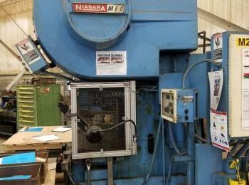Niagara M-60 60-Ton mechanische Stanzpresse. Siehe Bilder für Details.