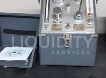 2 Ea. Alnor 7000U-Tester. Einschließlich: Alnor 7000U Taupunktprüfgerät; Seriennummer: 22354. Test z