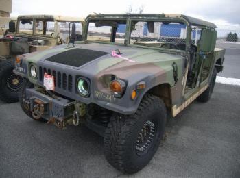 1995 Am General mdl W / E M1025A2, 4 x 4, 1 Tonne ARMT CAR, Nutzfahrzeug. S / n 168503. Reg.-Nr. NG4