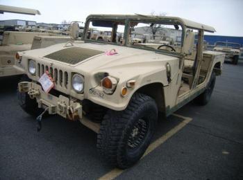 1995 Am General mdl W / E M1025A2, 4 x 4, 1 Tonne ARMT CAR, Nutzfahrzeug. S / n 168402. Reg.-Nr. NG4