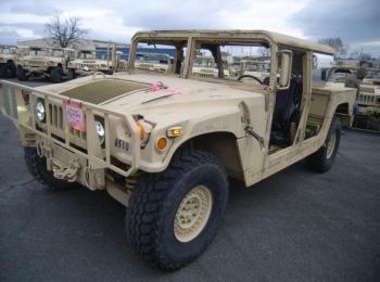 2002 Am General mdl W / E M1025A2, 4 X 4, 1 Tonne ARMT CAR, Nutzfahrzeug S / n 200589. Reg.-Nr. NG51