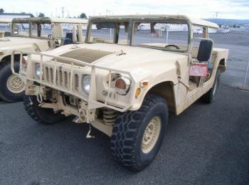 1995 Am General mdl W / E M1025A2 4 X 4 1 Tonne ARMT CAR, Dienstprogramm LKW. S / n 168427. Reg # NG