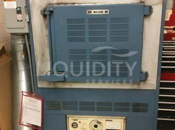 1981 Blue M Electric Company Ofen. Modell # POM-7780F. Seriennummer: P32-817. Der Käufer ist für die